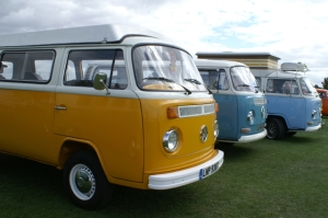 bay window camper vans vw field of dreams