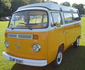 dubs in't dales orange late bay window vw