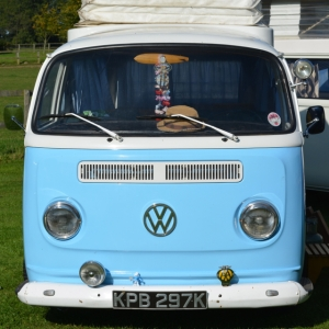 dubs in't dales camper bay window blue vw