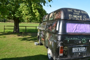 dubs in't dales chalkboard hi top bay window black vw