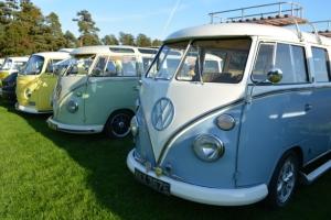 dubs in't dales camper splitscreen bay deluxe green blue yellow